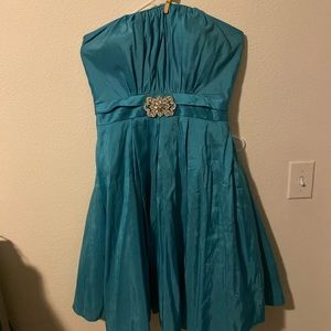 Strapless teal Prom dress